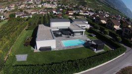 Magnifique villa contemporaine, grand terrain, piscine